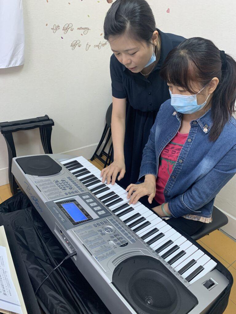 電子琴團體班 推廣價4800 再贈送61鍵自動伴奏電子琴